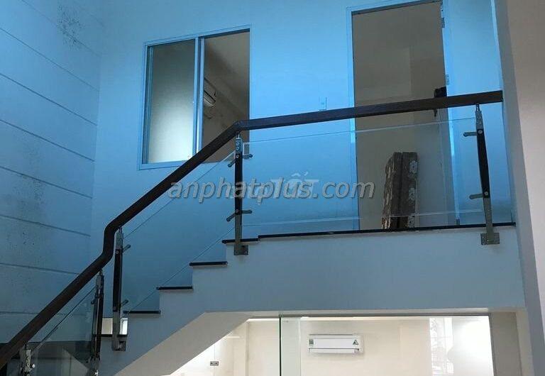 Cho thuê nhà 3 tầng đường Trần Văn Giáp, vuông góc với Hàn Thuyên 10 tr.th